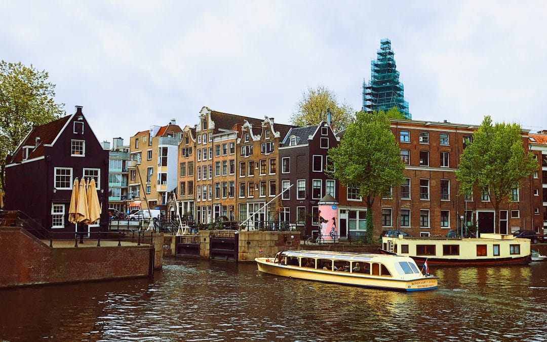 Controlling shipping traffic in the Netherlands canals with wireless sensors